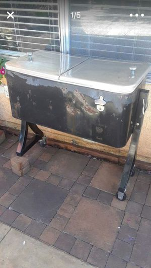Outdoor cooler for Sale in Moreno Valley, CA