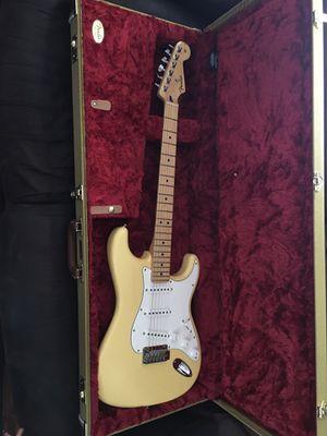 Fender Stratocaster for Sale in Ravenna, OH
