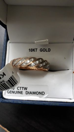 10 KT Gold Ring with Genuine Diamond for Sale in Dallas, TX