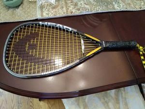 "HEAD Tennis Racket Intellifiber 4 1/2"" Leather Grip w / Cover for Sale in Germantown, MD"