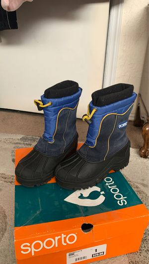 Boys Snowboots Size 1 for Sale in Pico Rivera, CA