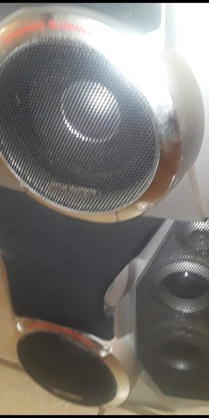 speakers $30 To $40 for Sale in Winter Haven, FL