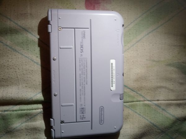 Nintendo 3DS XL SNES Edition (Games Included)