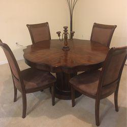 Dinning Table for Sale in Zephyrhills,  FL
