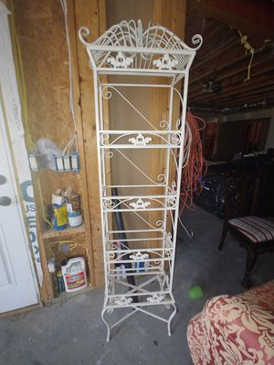 Beautiful metal shelves display for Sale in Dacula, GA