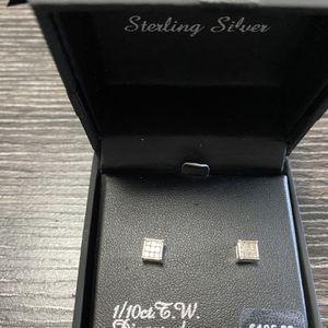 Sterling Silver Diamond Earrings. for Sale in Boca Raton, FL