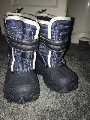 Toddler snow boot sz 7 for Sale in Philadelphia, PA