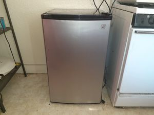 Mini Fridge for Sale in Hollywood for Sale in Los Angeles, CA
