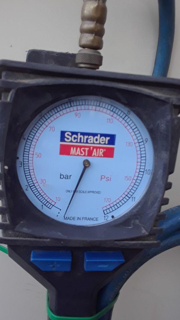 schrader mast'air