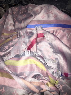 Rose& silver gray Louis Vuitton long scarf/no meet up mail only ty for Sale in Hillcrest Heights, MD
