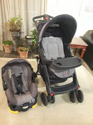 Stroller & car seat/carrier with base for Sale in Rockville, MD