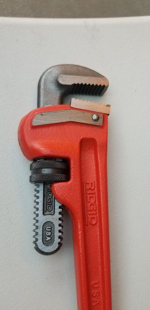 Pipe Wrench for Sale in San Fernando, CA