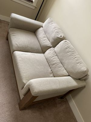 Large love seat for Sale in Smithfield, NC