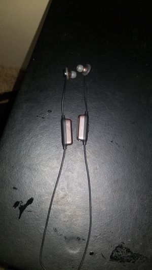 Wireless headphones for Sale in Renton, WA