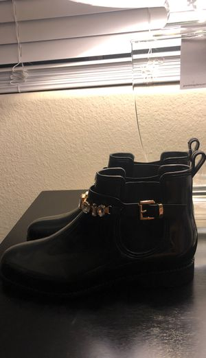 Rain boots size 8 for Sale in Las Vegas, NV