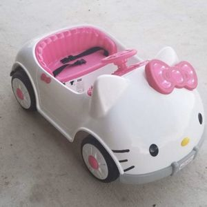 Hello Kitty 6V Battery Powered Ride On Car for Sale in San Antonio, TX