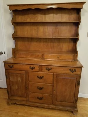 Antique Ethan Allen buffet and hutch for Sale in Northglenn, CO