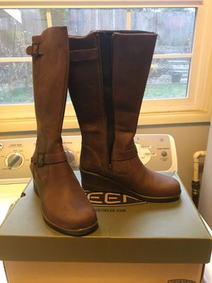 Keen New Women's Boots sz 7.5 for Sale in Beaverton, OR