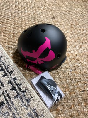 Kali Protectives Skate Helmet - Youth Medium - black and pink - new - Maha for Sale in Miami, FL