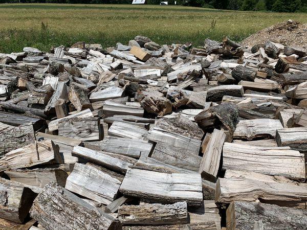 Seasoned Firewood. Full Cords & 1/2 Cords