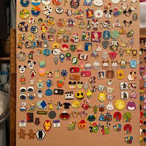 Disney $5 pin pick a pin for Sale in Pompano Beach, FL
