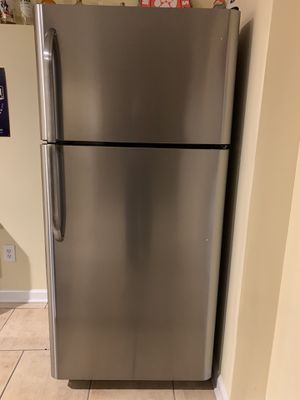 Frigidaire refrigerator. Used for 3 months. Like new! $250 OBO for Sale in Simpsonville, SC