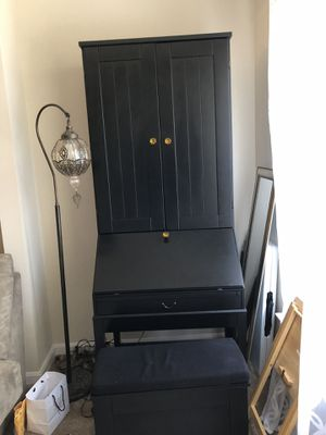 Secretary Desk with hutch for Sale in Westlake, MD