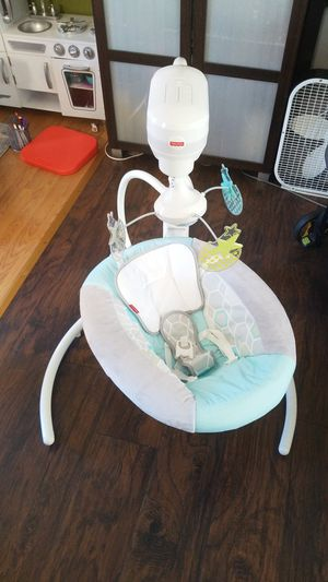 Fisher price baby swing for Sale in Long Beach, CA