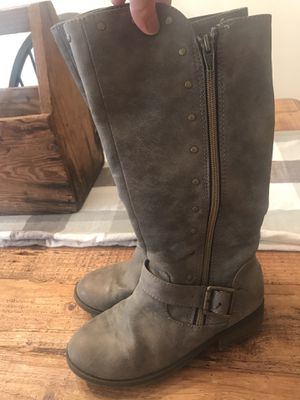 Girls size 1 Boots for Sale in Lithia, FL