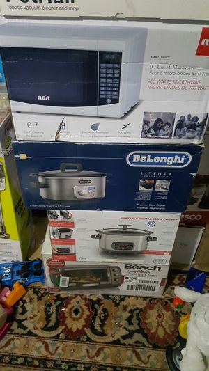 Brand new DeLonghi Livenza Programmable Slow Cooker with Stovetop-Safe Pot for Sale in Houston, TX