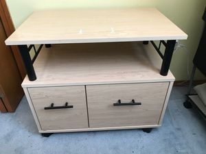 Nightstand/side table/small tv stand for Sale in Spokane, WA
