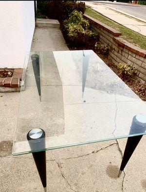 Glass table/ kitchen table for Sale in Pico Rivera, CA