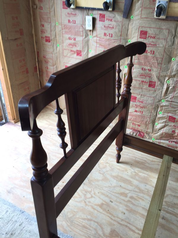 Nice Twin Size Cherry Bed, Headboard, footboard,side rails and slats,very good condition