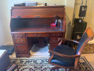 Exquisite Cherrywood Desk and Chair Set for Sale in Tustin,  CA