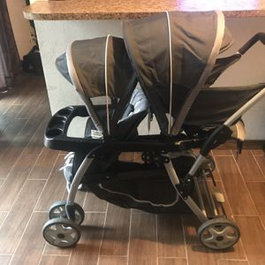 (Great Condition) Graco Ready2Grow™ Click Connect™ LX Double Stroller $40 for Sale in Garland, TX