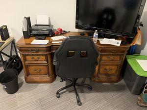 Brown wooden office desk for Sale in Palm Beach Gardens, FL