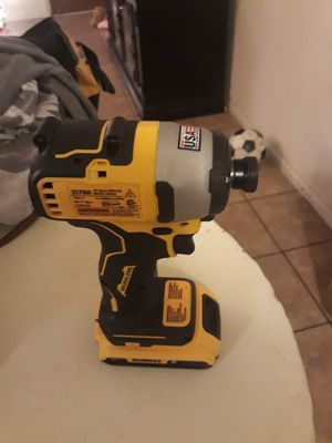 Impact driver brushless nuevo con batería solo 100 for Sale in Phillips Ranch, CA