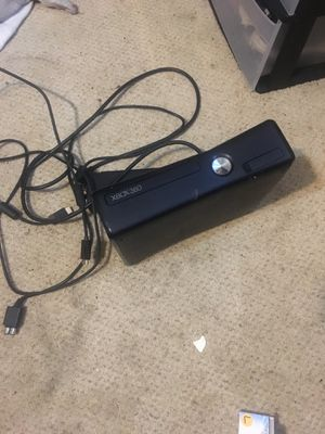 Xbox 360 (NO CONTROLLERS) for Sale in Macedonia, OH