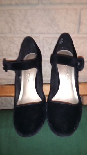 Girls size 5 Christian sirano heels black for Sale in Grand Prairie, TX