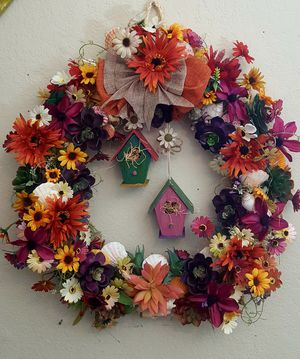 Large 22 x 22 beautiful hand made wreath with succulents and shells for Sale in Victorville, CA