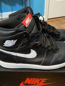 Black Jordan Yin Yangs for Sale in McHenry,  IL