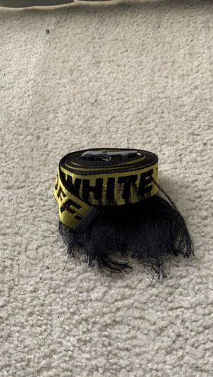 Off white belt for Sale in Calimesa, CA