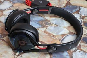 Beats Mixr On-Ear Headphone - Black/Red (Missing Box & Case) for Sale in Garden Grove, CA