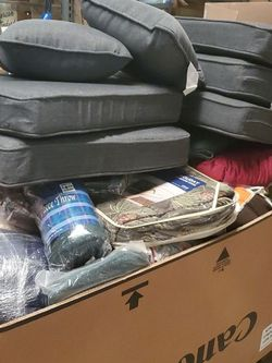 Pallet Of Bedding And Cushions for Sale in Lilburn,  GA