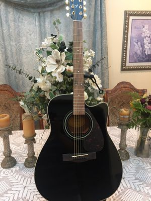 Yamaha FX335C electric acoustic guitar for Sale in Cudahy, CA