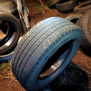 265 / 65 / 17 Single Michelin for Sale in Bellevue, WA
