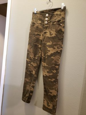 NOBO size 5 Camo pants for Sale in Vancouver, WA