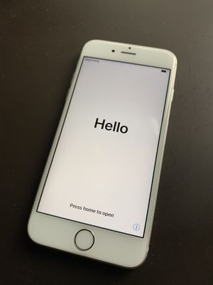 iPhone 6s 64GB Silver - UNLOCKED for Sale in Atlanta, GA