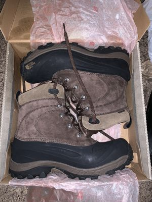 North Face Mens snow boots for Sale in Artesia, CA