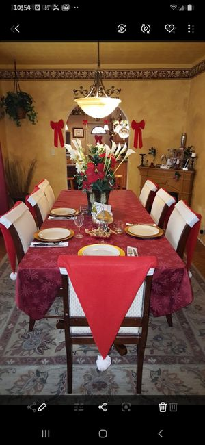 Table and chairs need gone $275 with 8 chairs for Sale in Cuyahoga Heights, OH